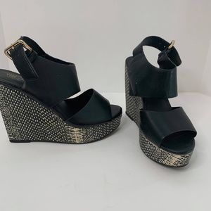 Mossimo Snakeskin Manmade Wedge Sandals Size 6.5